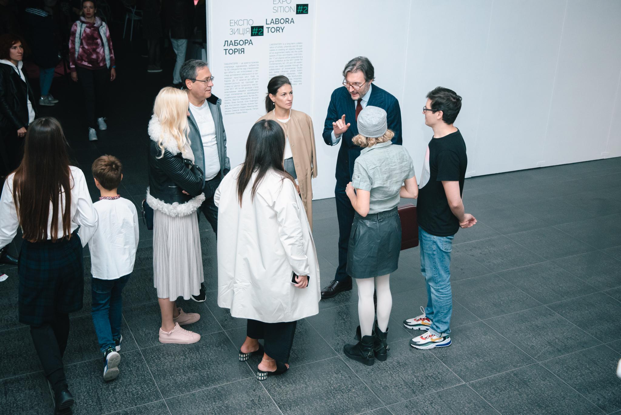 Представники Hauser & Wirth на виставці Frontier. New Monuments